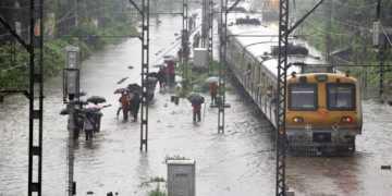mumbai, railway