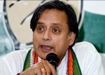 tharoor, anti- hindu, kumbh