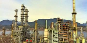 Maharashtra, Oil refinery