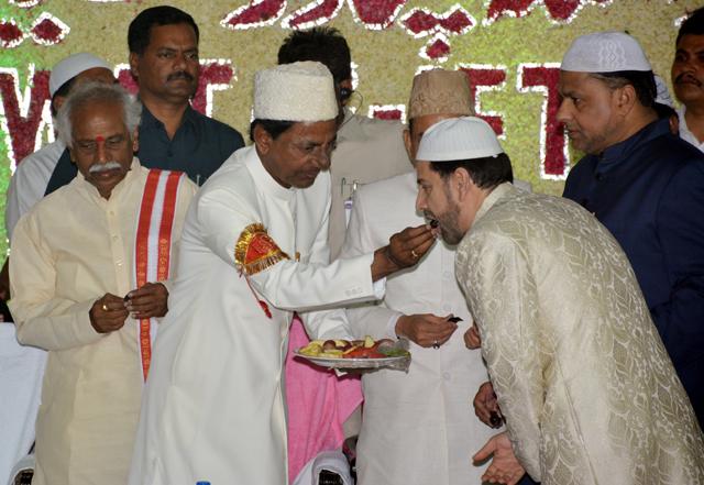 मुस्लिम तुष्टिकरण केसीआर