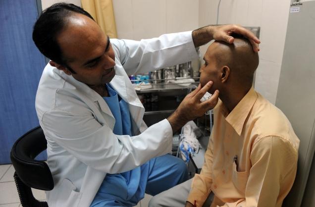 डॉक्टरों-चिकित्सा